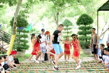 Yang Bay vào mùa lễ hội
